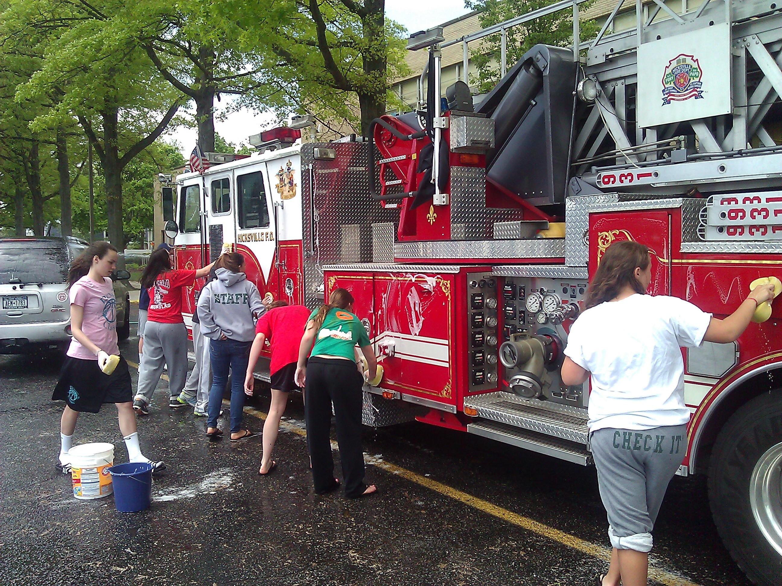 Hicksville Car Wash: Holy Family CYO